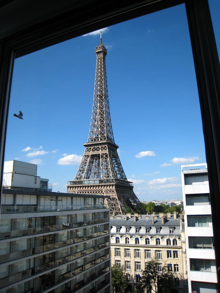 ParisWindow.JPG